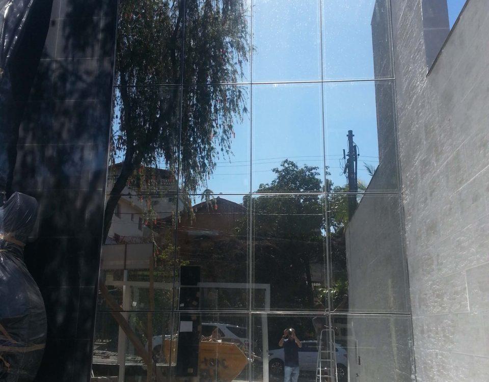 Fachada de Glazing / Pele de Vidro da Melody maker
