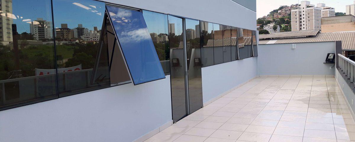 Fachada Glazing / Pele de vidro da Itália Participações